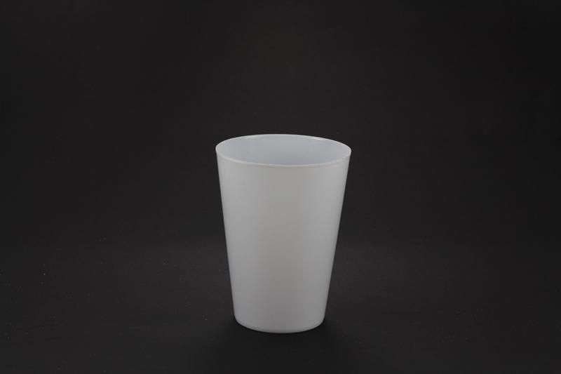 Distribuidora de copos descartáveis de acrílico